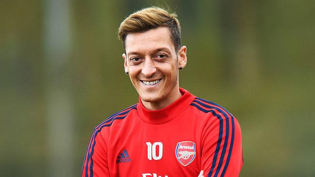 Tiểu sử Mesut Ozil – Ngôi sao trong màu áo CLB Arsenal